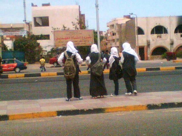 uczennice z Daharu
