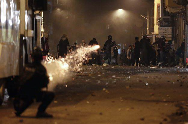 Już 25 osób zginęło w wyniku protestów w Turcji. Czy w kraju jest bezpiecznie?