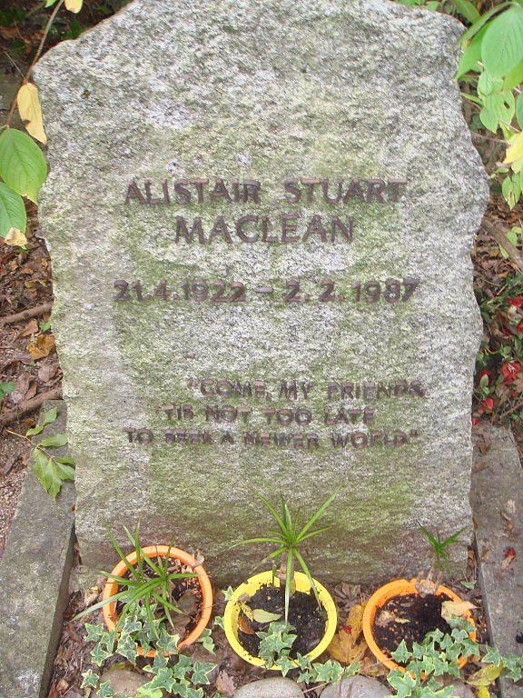 576px-Alistair_Maclean_grave