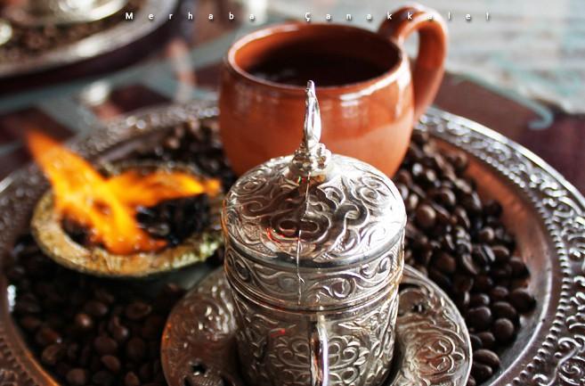 Rozgrzewające tureckie napoje na jesienne dni