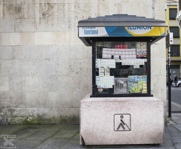 Kiosk z loteria