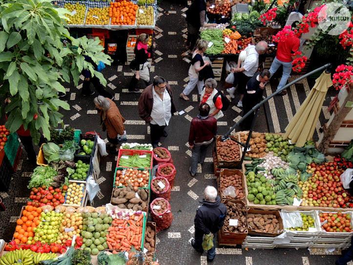 Madera – bazar farmerski w Funchal