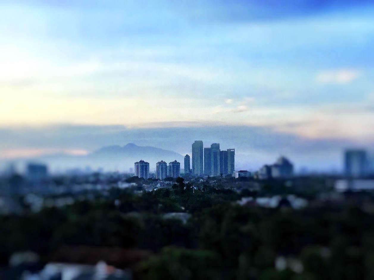 Wulkan Salak z wyspy Jawa.