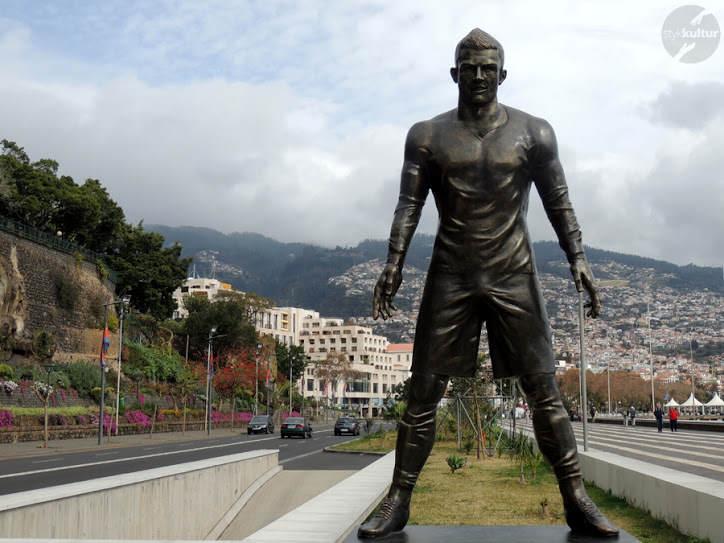 Kontrowersyjny pomnik Ronaldo na Maderze