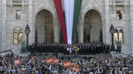 Będzie jeszcze Budapeszt w Warszawie? Co łączy PiS z węgierskim Fideszem?