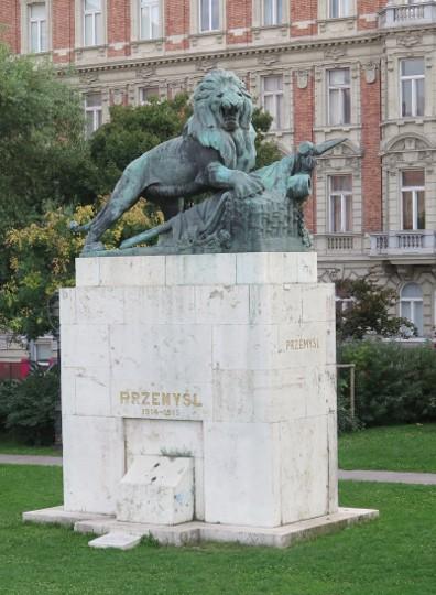 zastanawiający pomnik Przemyśla