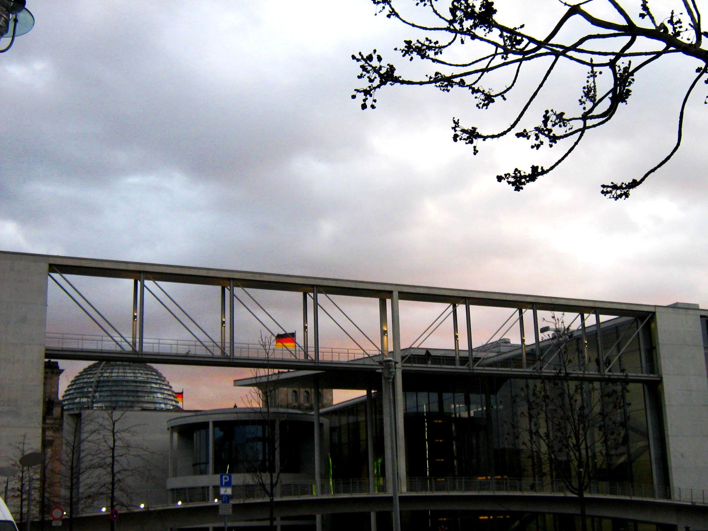 Poskaczmy jak barany – historia głosowania w Bundestagu