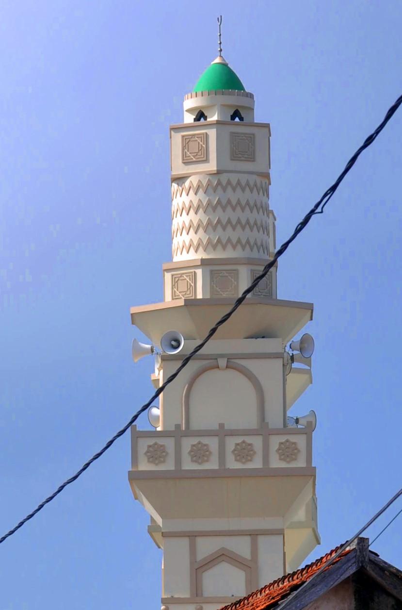 Splywające krwią zwierząt święto Idul Adha!!
